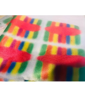 "Tela ""Zig Zag"" impresa rainbow (arcoiris)."